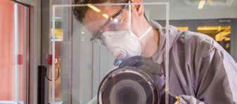 Avec une polisseuse rotative Mirka PS 1437 ou une polisseuse rotative sans aspiration Mirka RP 300NV 77mm